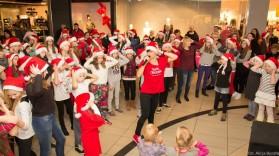 Mikołajkowy Flash Mob w Alfa Centrum